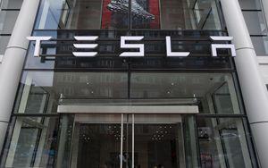 Tesla in denaro. Buone news dalla Cina sulla Model3