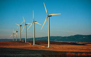 Record di energia elettrica da rinnovabili: a maggio coperto il 51,2% della domanda