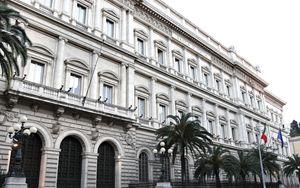 Bankitalia: leggermente attenuati rischi stabilità finanziaria