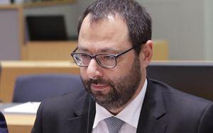 """Recovery Fund, Patuanelli: """"Non useremo fondi Ue per Ilva e Alitalia"""""""