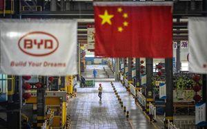Cina, attività industriale in ripresa a novembre