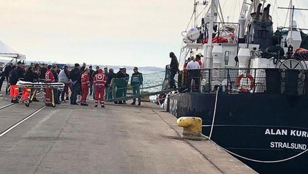 Alan Kurdi, i miganti a Taranto. Asso Trenta a Pozzallo. Italia chiede modifiche a Libia su Memorandum