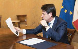 """Coronavirus, Conte: """"Tutto chiuso ovunque in Italia. Aperte solo farmacie ed esercizi alimentari"""""""