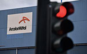Ex Ilva, Conte tratta con Mittal ma c
