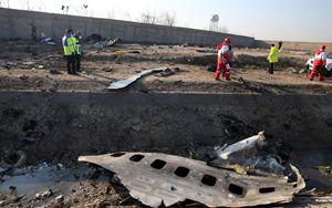 Il Boeing 737 ucraino abbattuto per errore da due missili iraniani. Ma Teheran nega