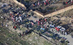 """Teheran ammette abbattimento Boeing ucraino con 176 vittime: """"Involontario errore umano"""""""