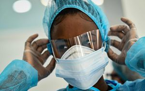 """Coronavirus, contagi e malati """"rallentano"""". Ma non in Lombardia. In Italia 566 morti"""