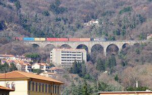 Porto Trieste, primi treni cargo su linea transalpina dopo recente riattivazione