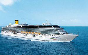 Coronavirus, crociera: sbarco a Genova per i 461 italiani a bordo della Costa Deliziosa