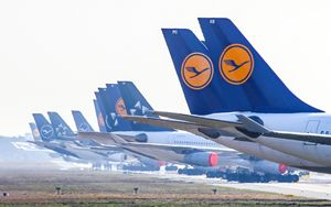 """Lufthansa, decolla piano salvataggio. Scholz: """"Soluzione molto positiva"""""""