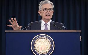 """FED, Powell: """"Grande incertezza su futuro. Tassi fermi fino al 2022"""""""