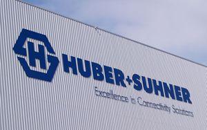 UBER+SUHNER, nuovo sistema per ricarica continua veicoli elettrici a 500 Ampere