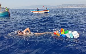 """Ambiente, la """"Traversata Ecologica dello Stretto di Messina"""" per dire no alla plastica"""