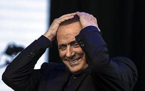 Covid-19, Berlusconi positivo in isolamento ad Arcore