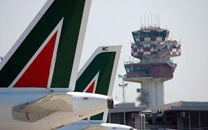 Alitalia, dopo lo stop di Malpensa oggi cancellati 40 voli a Fiumicino